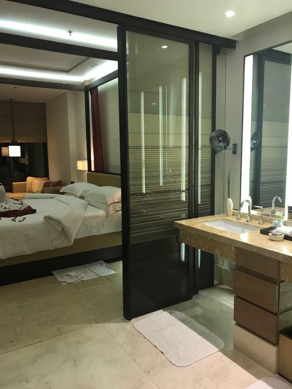 ritz_room2