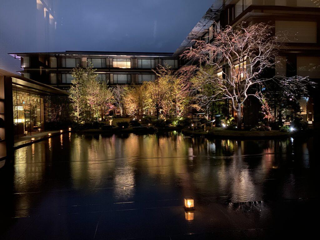ホテルザミツイ京都庭園夜