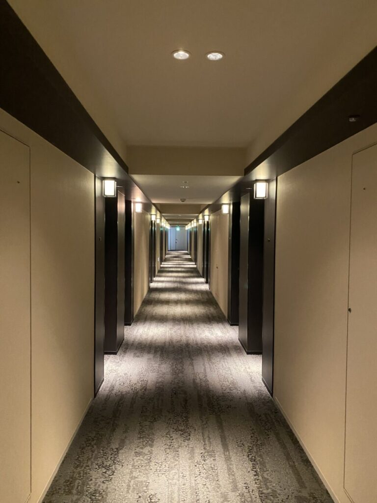 ANAクラウンプラザホテル京都通路